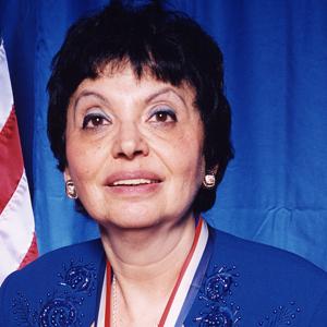 Dr. Inge Auerbacher Headshot